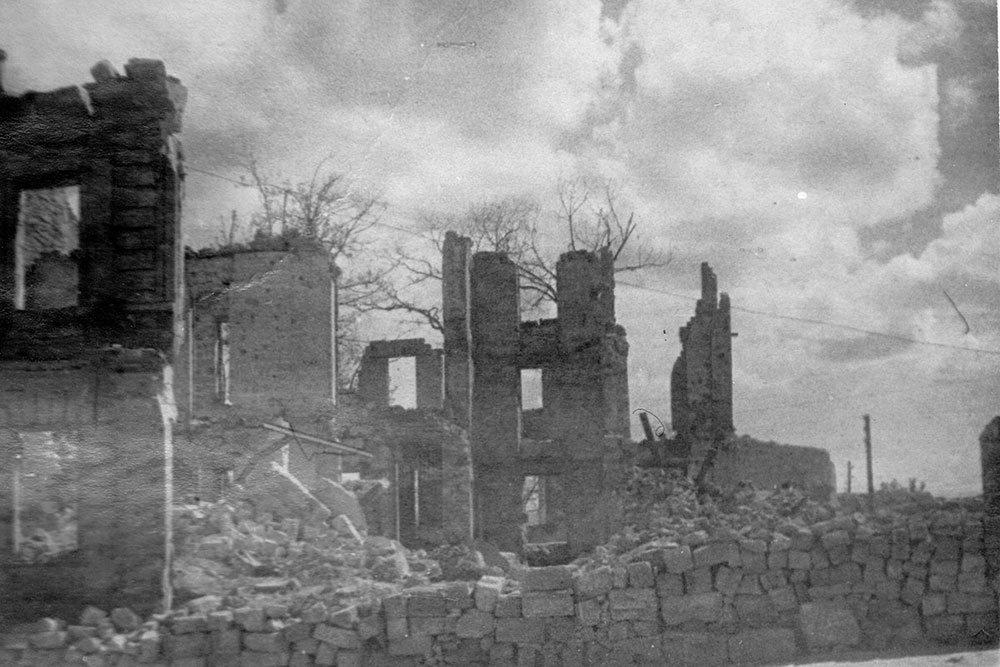 Минобороны опубликовало уникальные фото разрушенного Севастополя, фото-13
