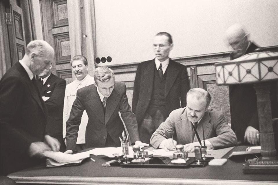 Фонд «Историческая память» впервые опубликовал советские оригиналы «Пакта Молотова-Риббентропа», фото-1