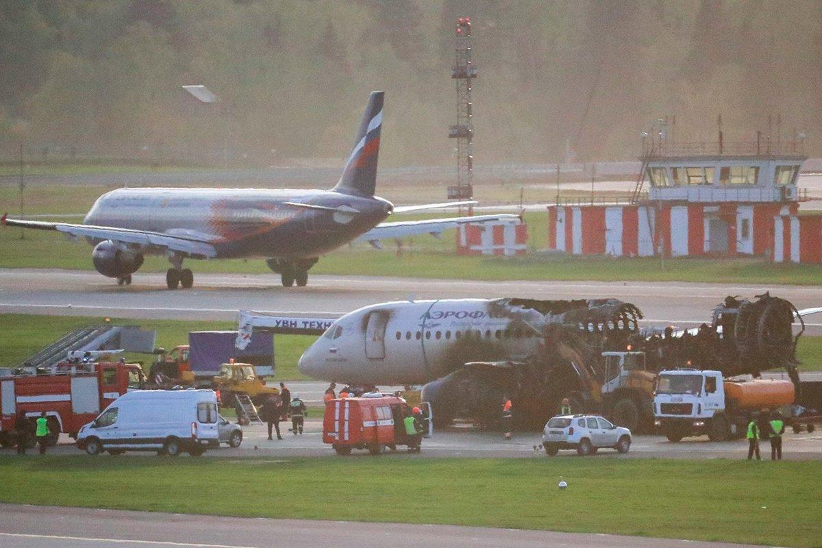 Пилоты сгоревшего в Шереметьево SSJ100 попытались уйти на второй круг, фото-1
